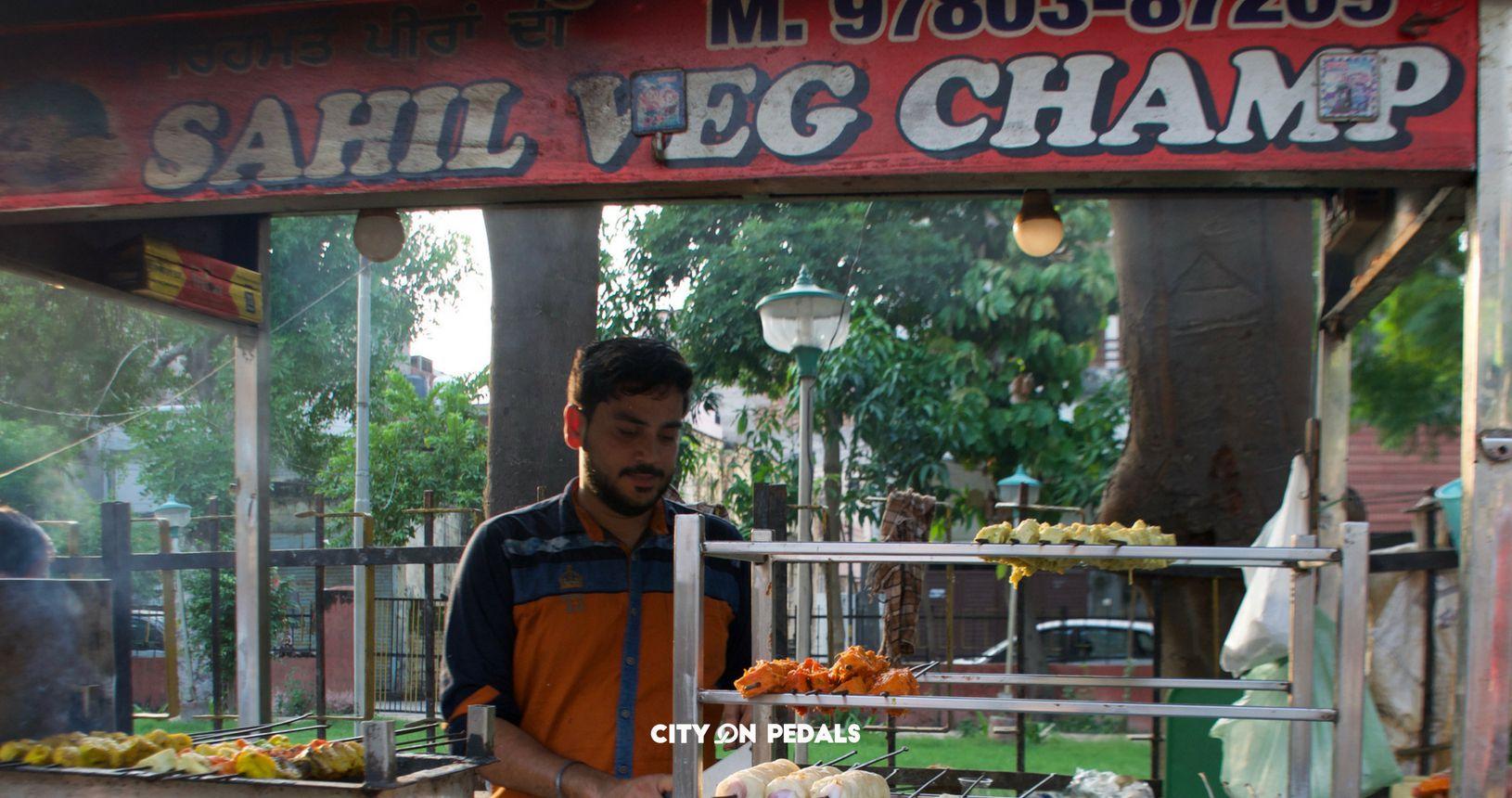 Sahil Veg Champ - Street Food in Rani Ka Bagh Amritsar