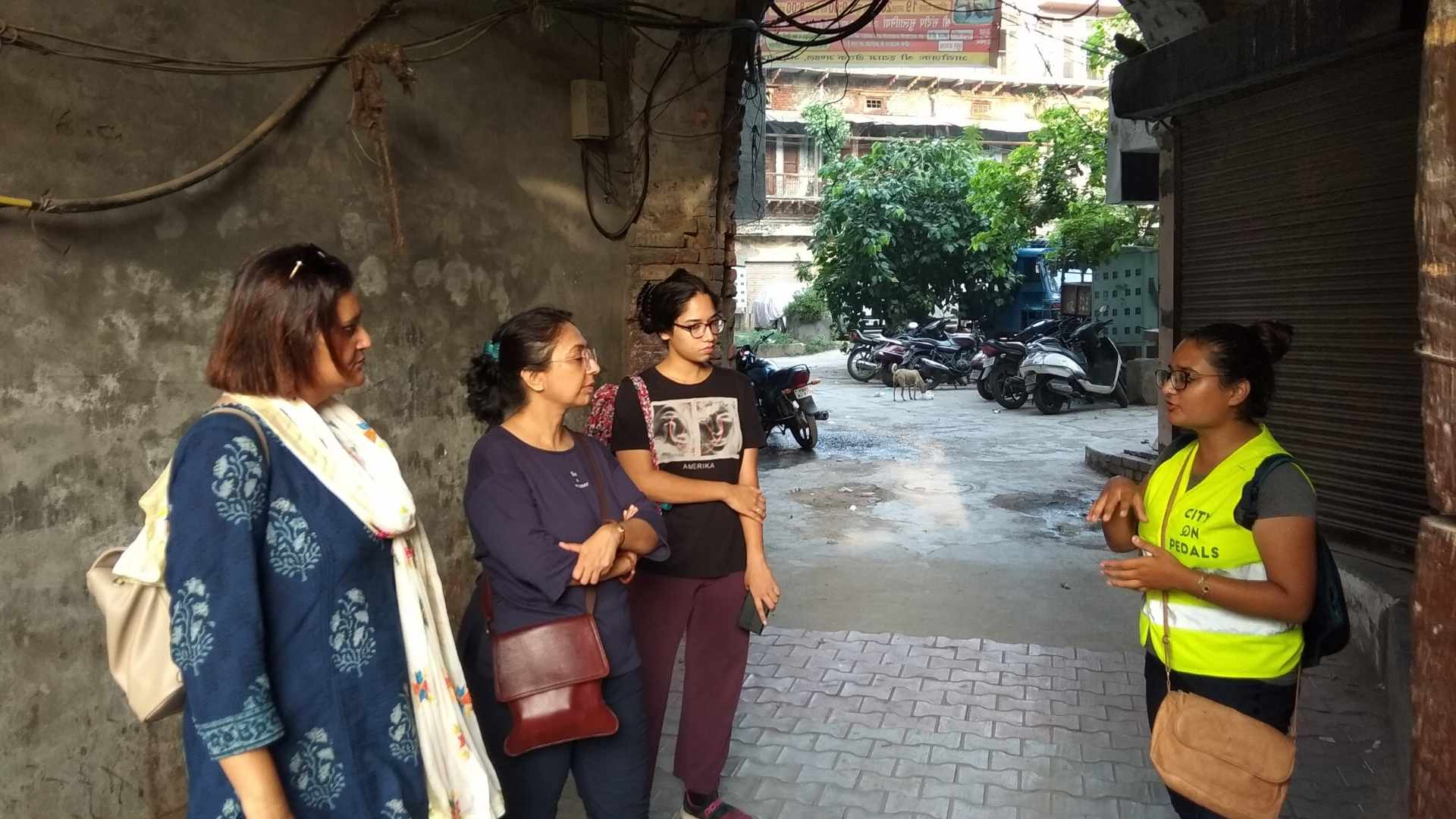 Tour guide explaining the history behind the Quila Ahluwalia fortress on our Amritsar Heritage Walking Tour