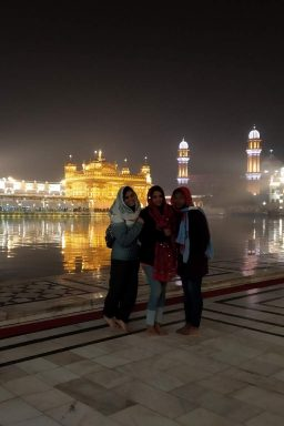 Group of female travelers on the Golden Temple Tour