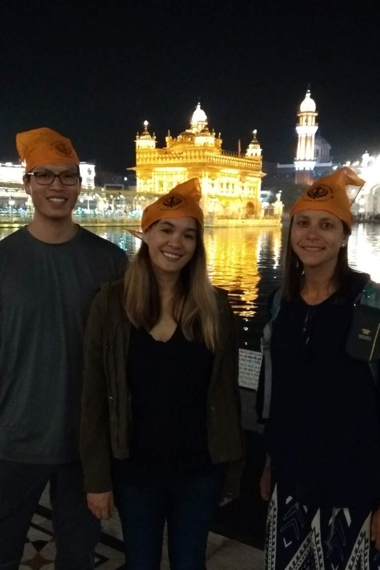 Group of travelers in front of the Golden Temple