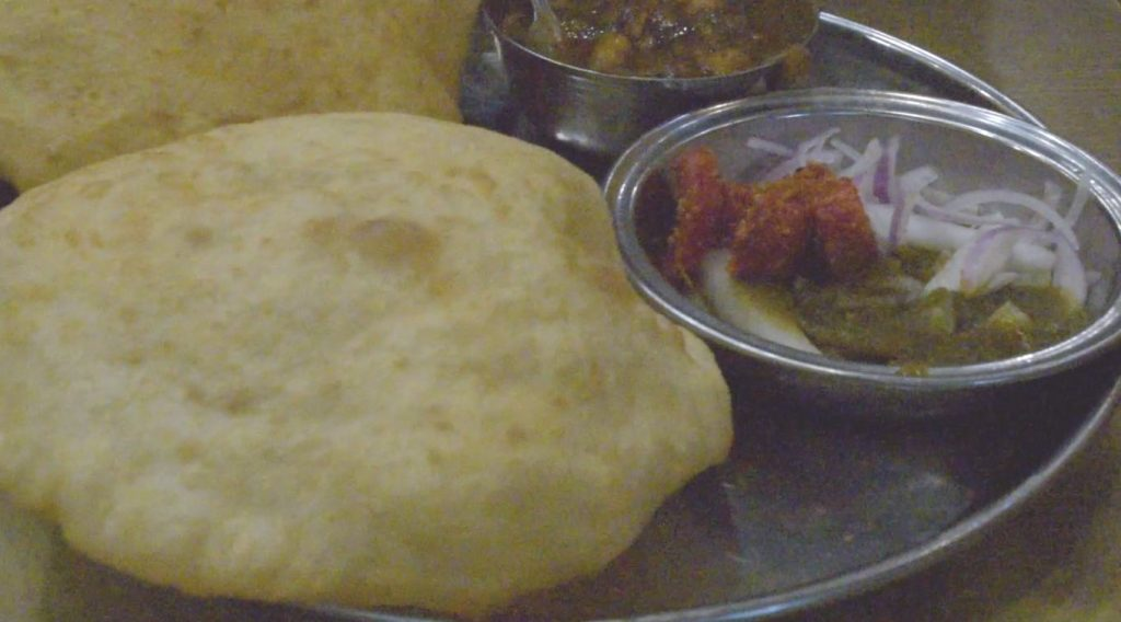 Bhature Chole with chutney